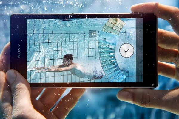 Sony-Xperia-Z1-is-here-Thin-waterproof-cameraphone-boasts-20-MP-sensor (1)