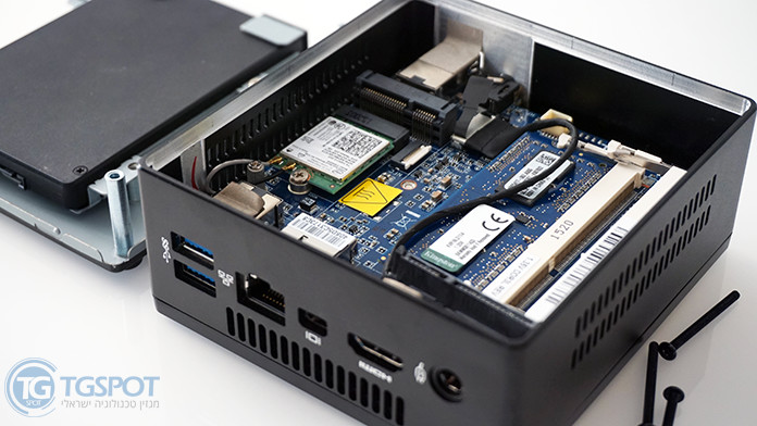 Gigabyte Brix PC NUC Hardware Memory GB-BX3H-5010 open