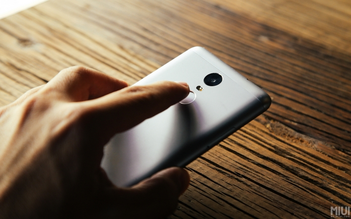 Xiaomi-Redmi-Note-3 fingerprint scanner